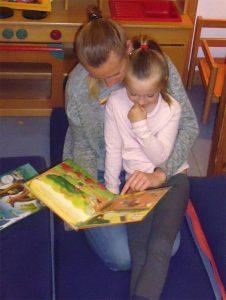 Bilderbücher lesen die Kinder selber vor!